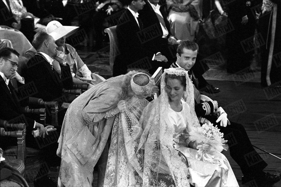 Le mariage du prince Albert de Liège et de la donna Paola Ruffo di Calabria, futurs roi et reine des Belges, le 2 juillet 1959 à Bruxelles.