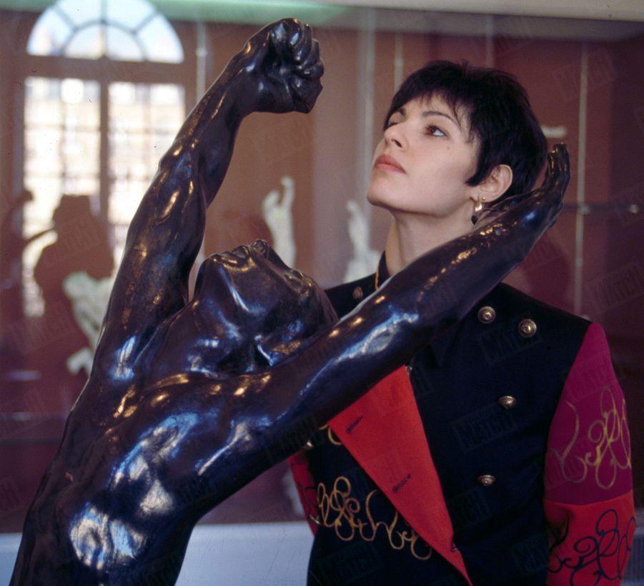 Marie-Claude Pietragalla pour Paris Match, février 1991.
