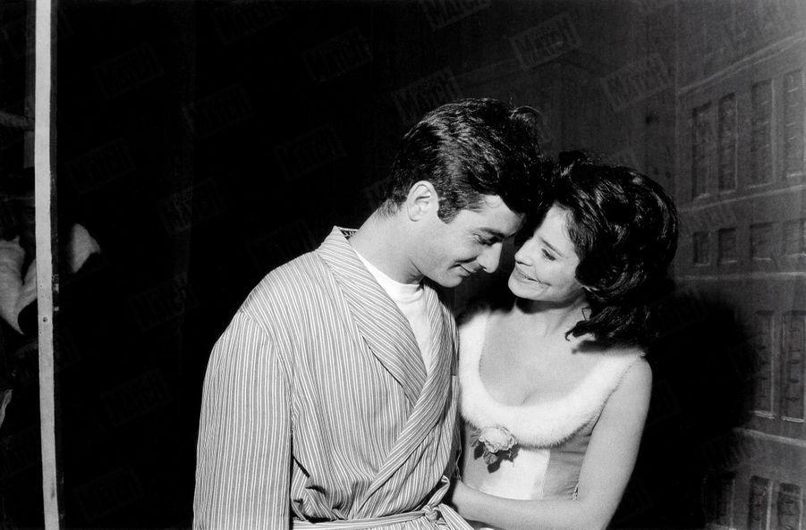 Marie-José Nat et Jean-Claude Brialy, partenaires de « Un dimanche à New York », au Théâtre du Palais-Royal,en décembre 1962.
