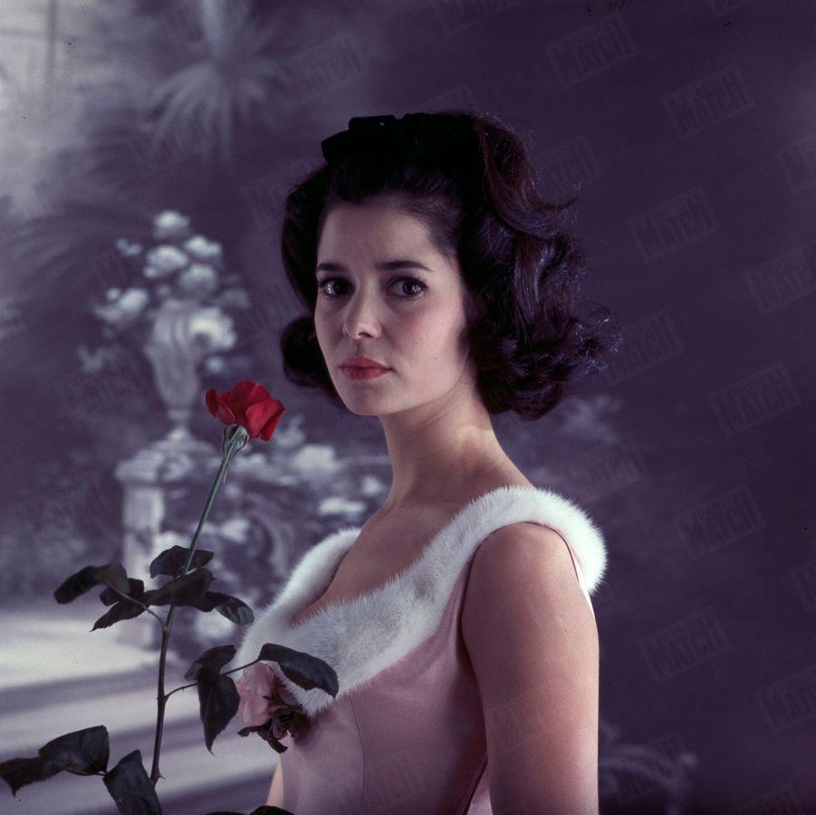 Marie-José Nat, dans « Un dimanche à New York », au Théâtre du Palais-Royal,en décembre 1959.