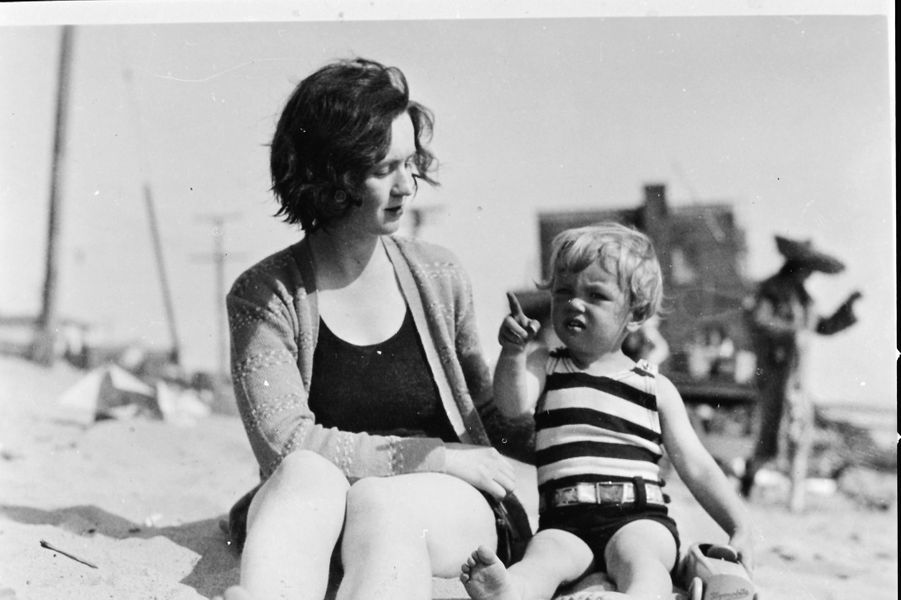Norma Jean et sa maman Gladys Baker, vers 1929