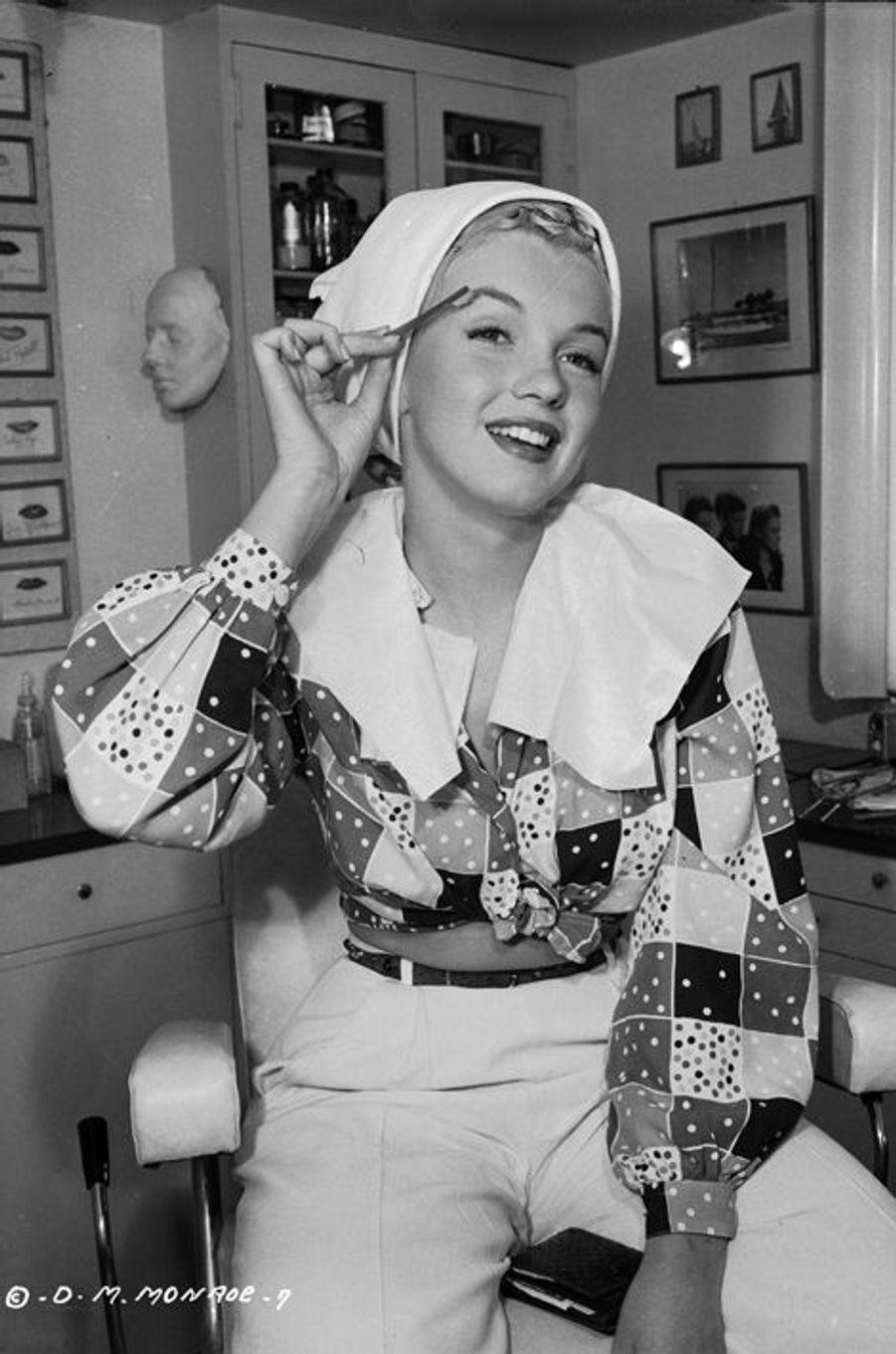 Séance de maquillage en 1948