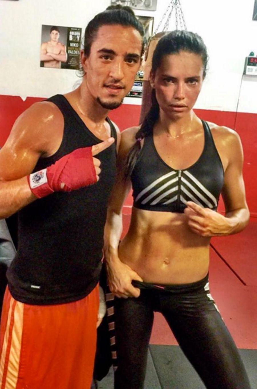 Adriana Lima ne lésine pas sur les heures de sport quotidiennes