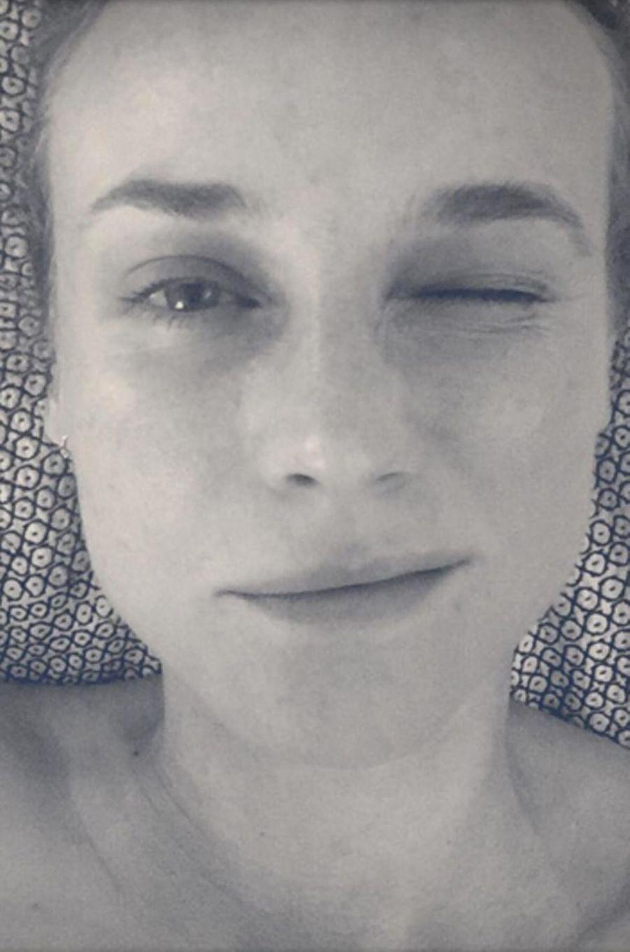 Diane Kruger affiche sa peau parfaite et sans fard