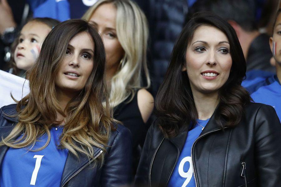 Marine Lloris et Jennifer Giroud au stade de France pour le match France-Suisse