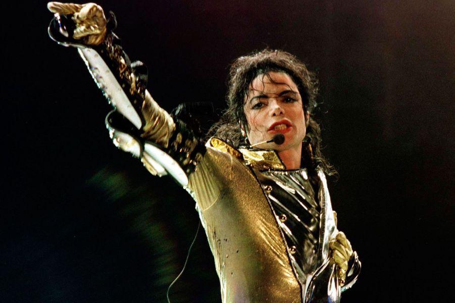 1- Michael Jackson 150 millions de dollars