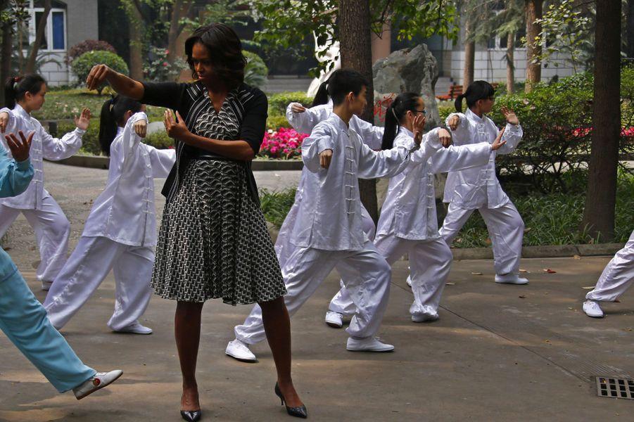La First Lady se met au taï chi