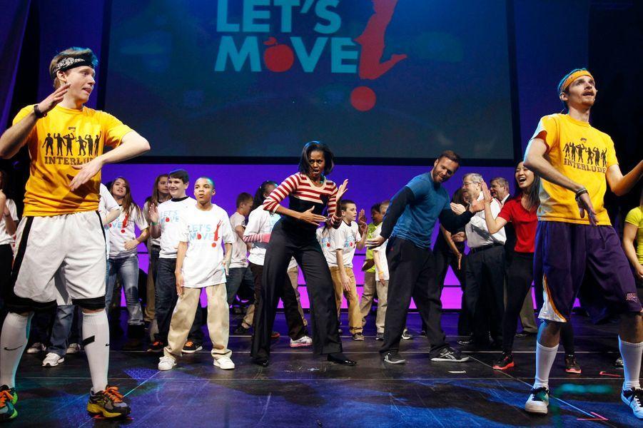 Février 2012 : elle donne de sa personne pour Let's Move, qui promeut l'éducation physique chez les jeunes