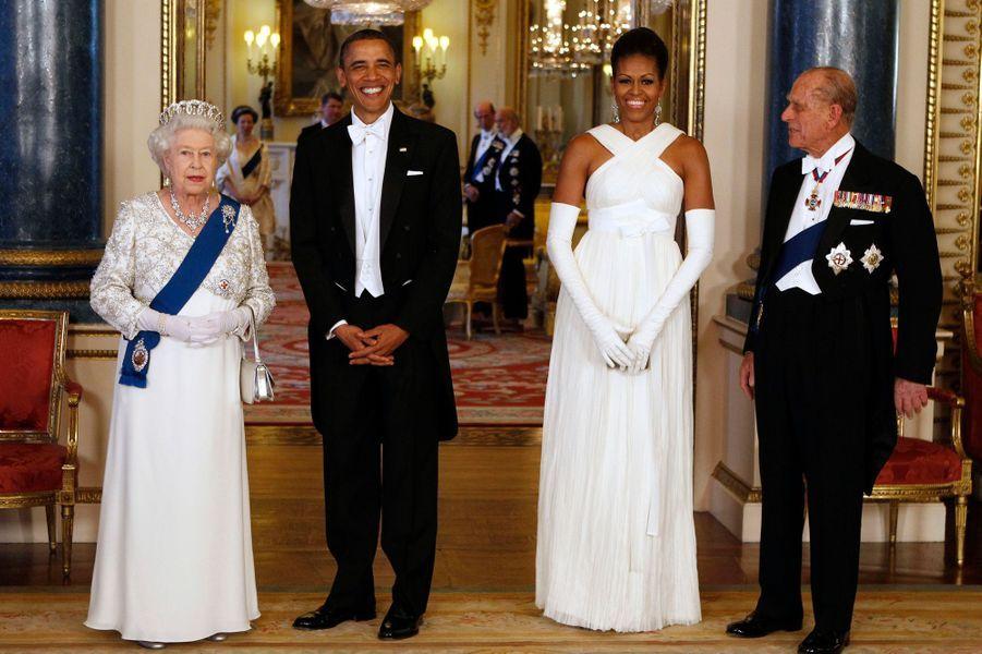 Mai 2011 : déplacement officiel au Royaume-Uni, rencontre avec la reine Elizabeth et le prince Phillip