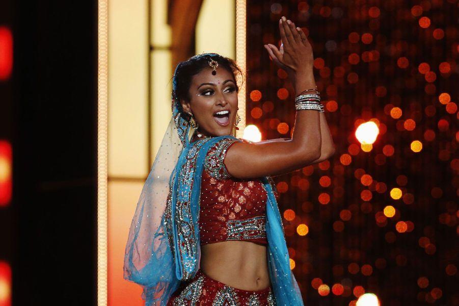 Nina Davuluri a présenté une danse traditionnelle indienne.