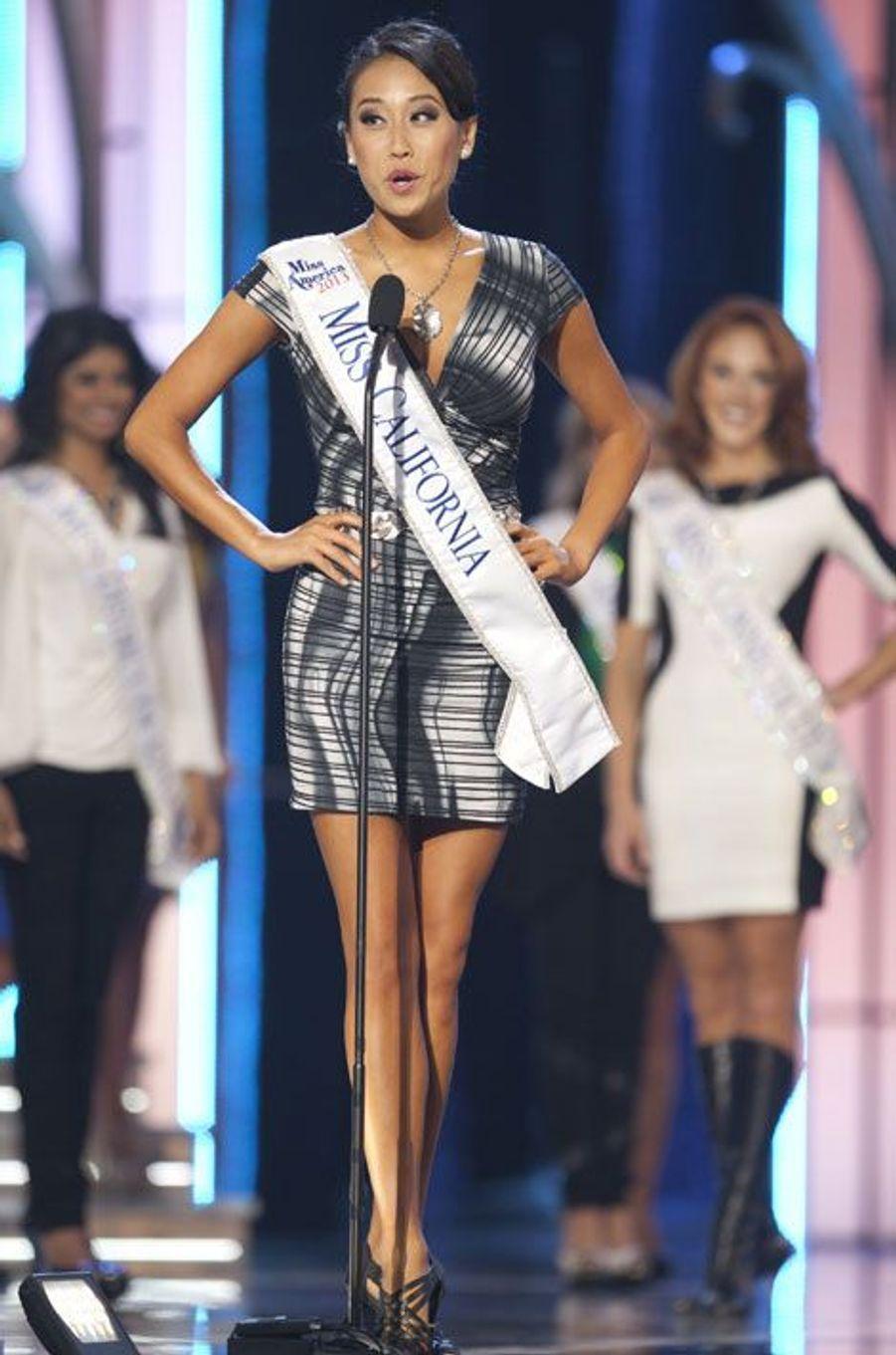 Nina a devancé Miss Californie, Crystal Lee, qui s'est classée deuxième dimanche soir.