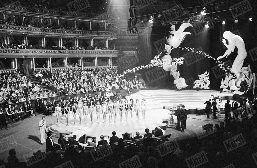 Election de Miss Monde 1980 au Royal Albert Hall de Londres, 13 novembre 1980.
