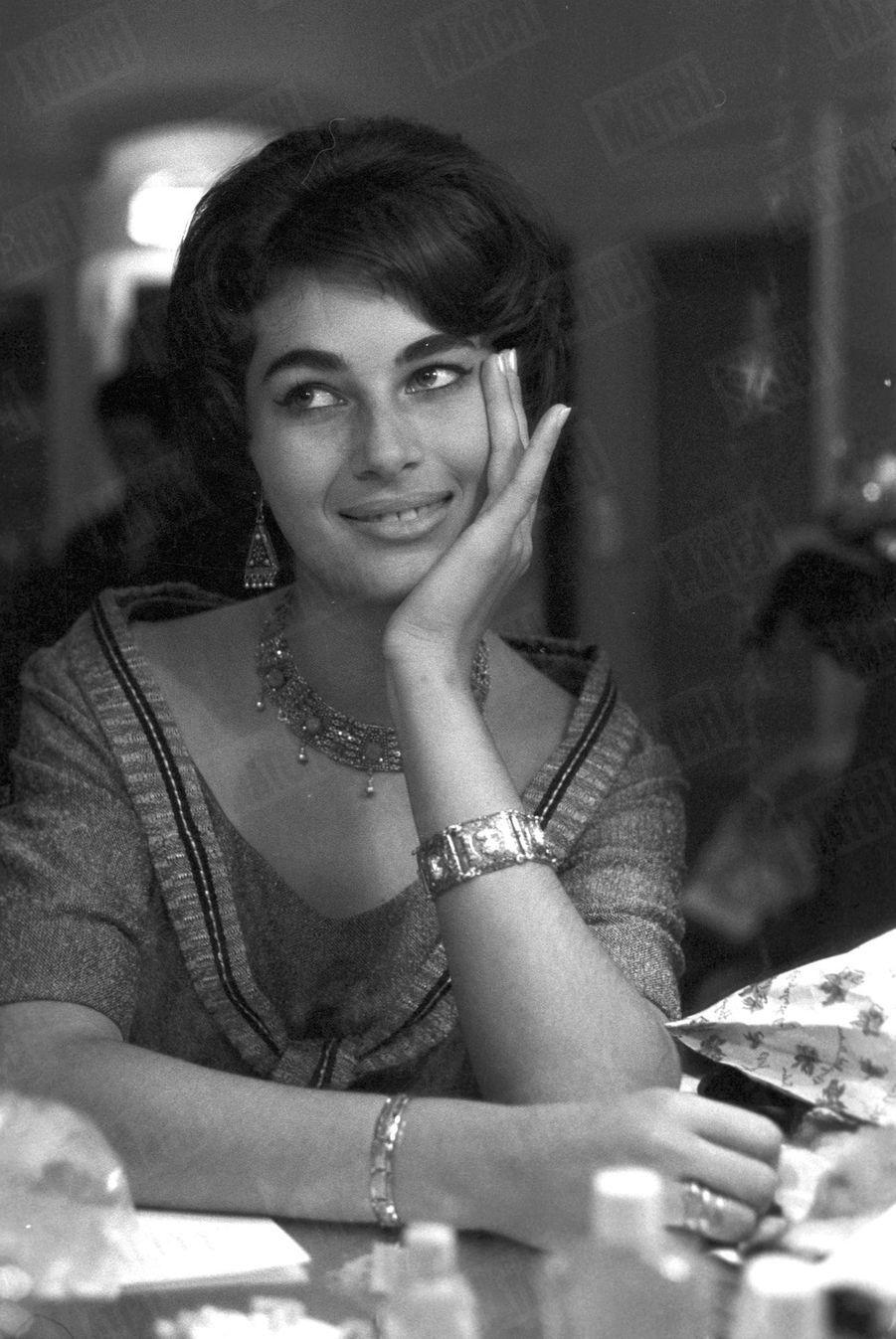 Ziva Shomrat, Miss Israël en coulisse