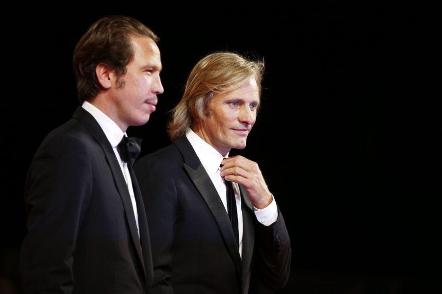 Reda Kateb et Viggo Mortensen sur le tapis rouge de «Loin des hommes»