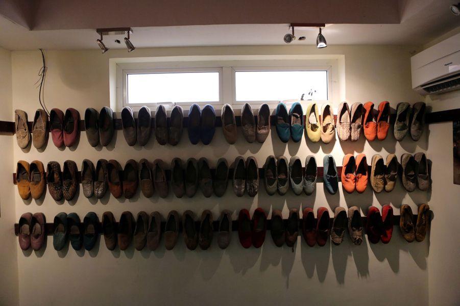Chaussures appartenant à Fela Kuti disposées dans sa maison à Lagos