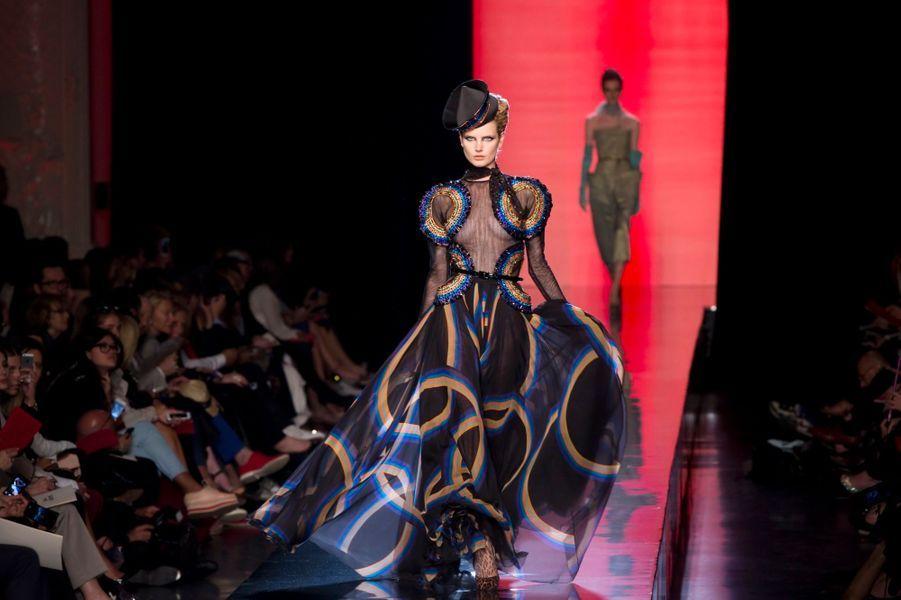 Nabilla, invitée spéciale du défilé Gaultier