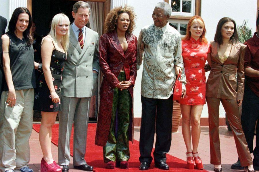 Avec le prince Charles et les Spice Girls, en novembre 1997