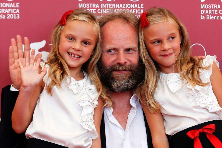 "Philip Groning (""The Police Officer's Wife"") et les petites Pia et Chiara Kleemann"