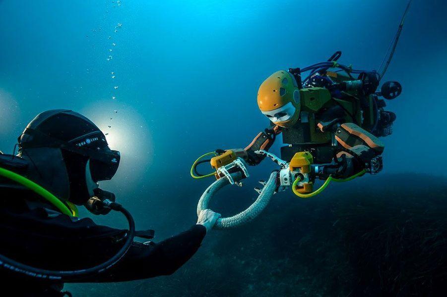 Ocean One part scruter la Lune