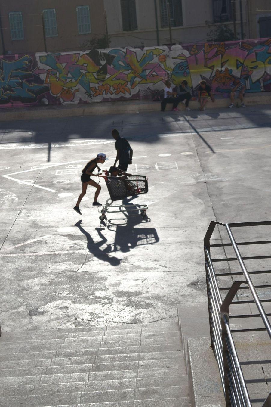 5ème prix - Ginieze - Jeux d'enfants au soleil couchant, Marseille