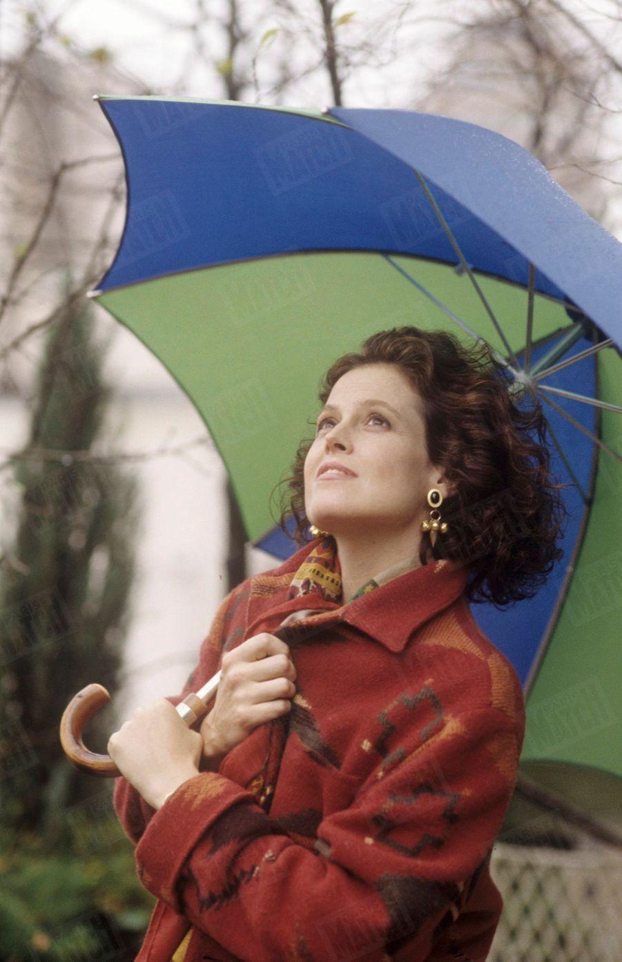 Rendez-vous avec l'actrice Sigourney Weaver à Manhattan, en décembre 1989.