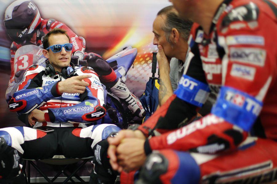 Renaud Lavillenie a laissé de côté sa perche et préfère désormais casque et deux roues. Le champion olympique s'entraîne pour les 24 Heures du Mans motocycliste.