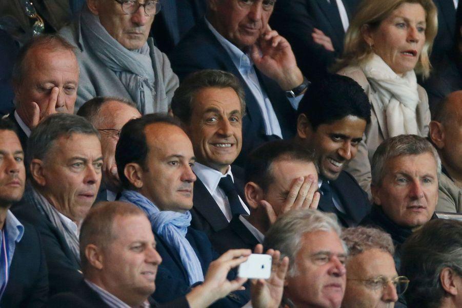 Après 40 minutes de JT, pour signer son retour dans l'arène politique, Nicolas Sarkozy a filé au Parc des Princes dimanche pour ne pas louper une miette du match PSG- Olympique lyonnais.