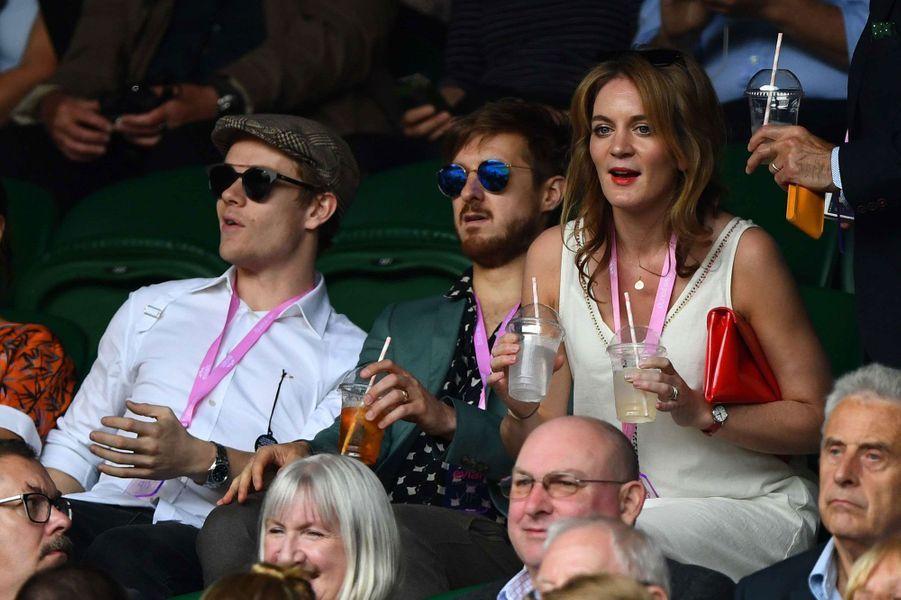 Alfie Allen et Felicity Blunt dans les tribunes de Wimbledon