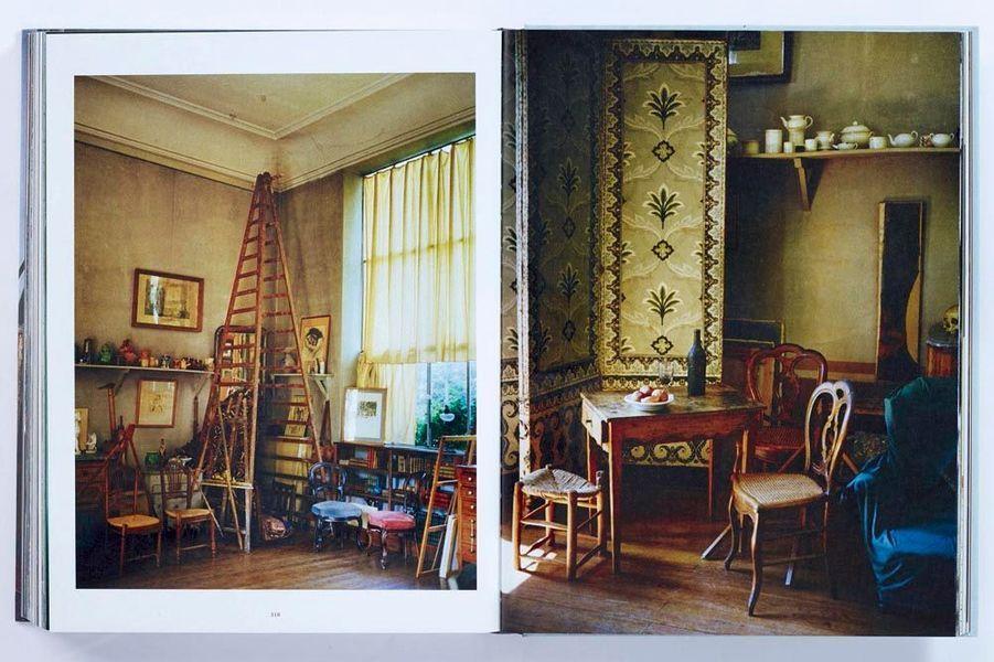 Les objets, les lieux gardent l'âme de ceux qui les ont possédés. Il fallait l'œil aiguisé du décorateur et photographe François Halard pour que cette devise ne semble plus affabulation. De Cocteau à Cézanne un témoignage dans le sein des grands penseurs.