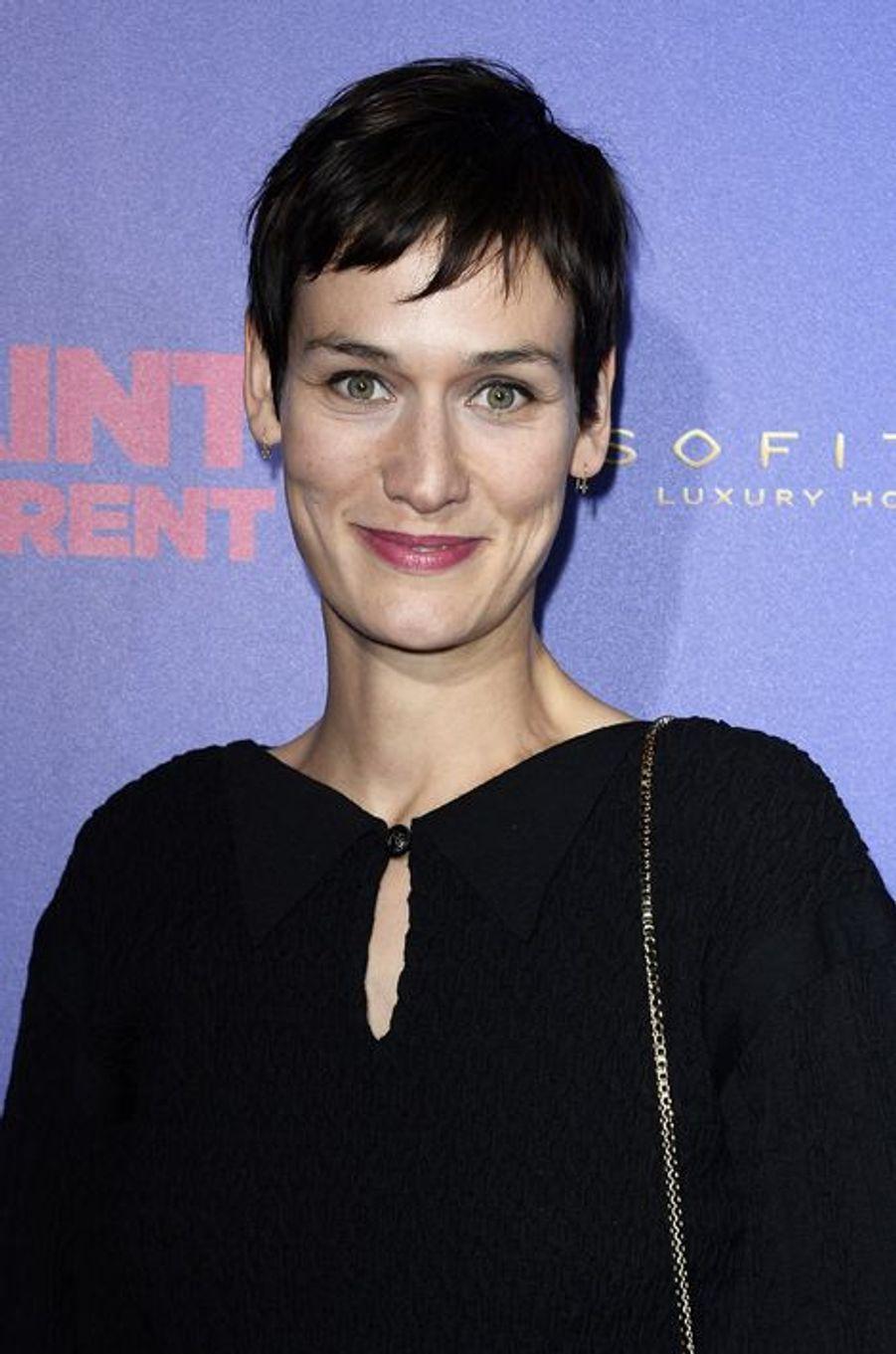 """Clotilde Hesme à la première de """"Saint Laurent"""" à Paris"""