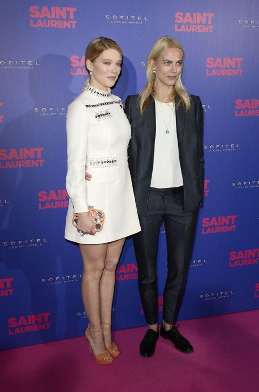 """Léa Seydoux et Aymeline Valade à la première de """"Saint Laurent"""" à Paris"""