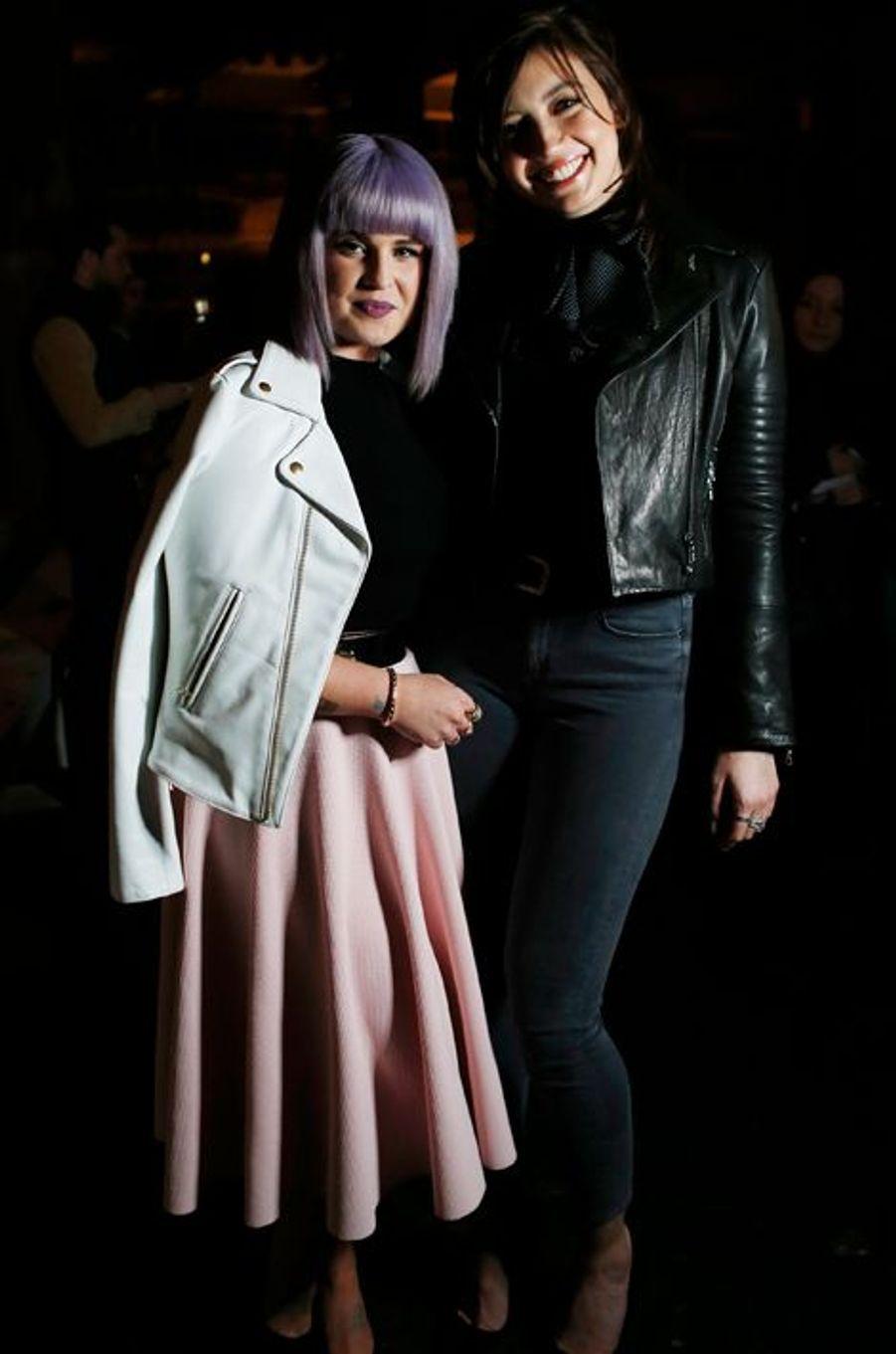 Kelly Osbourne et Daisy Lowe au défilé House of Holland