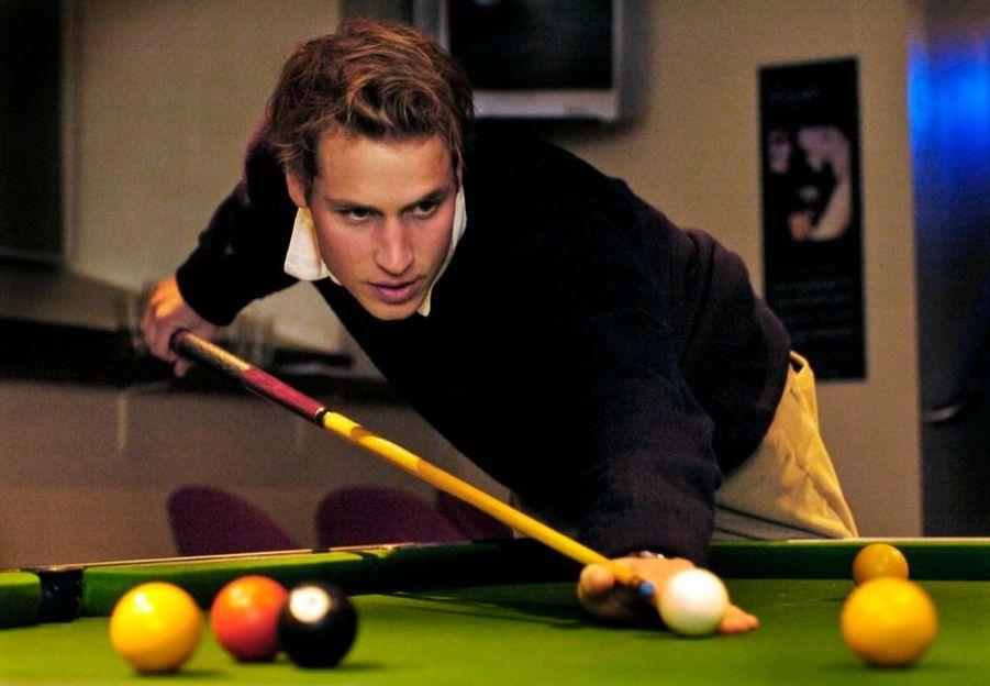Le prince William lors de ses études à l'université de St Andrews, en Ecosse, en novembre 2004.