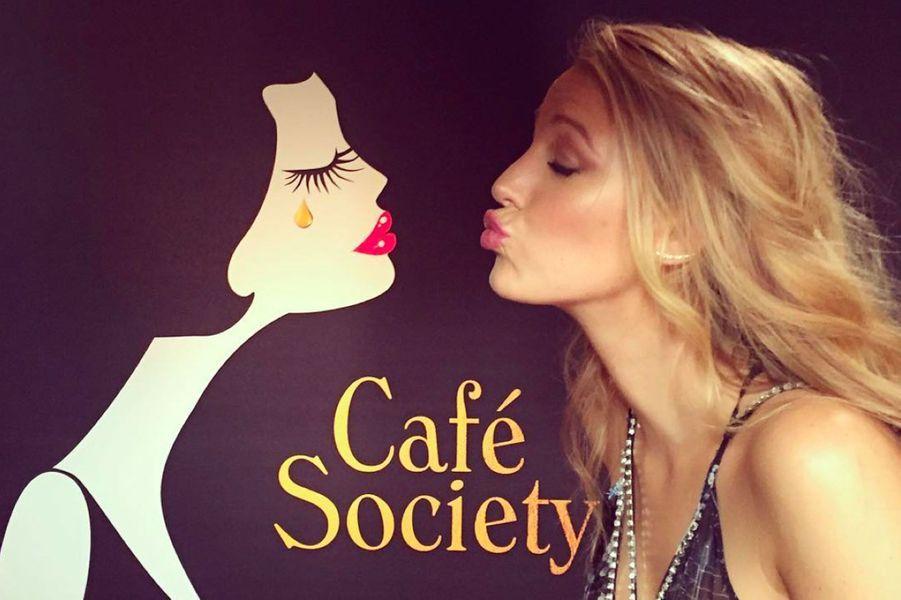"""Blake Lively présente le film """"Café Society"""" à Cannes"""