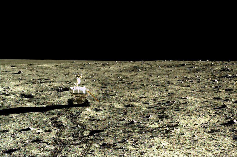 Des cratères présents sur la surface de la Lune