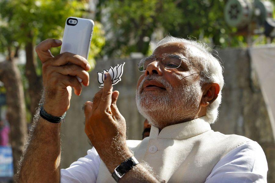 Le nationaliste Narendra Modi, victorieux aux élections législatives indiennes, en avril à Ahmedabad