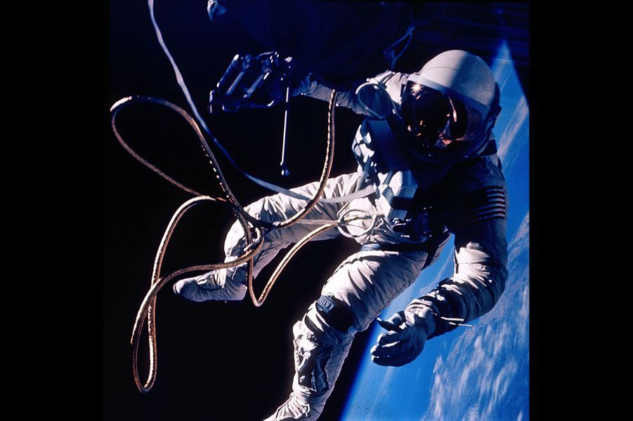 Ed White a effectué la première sortie extravéhiculaire de l'histoire le 3 juin 1965