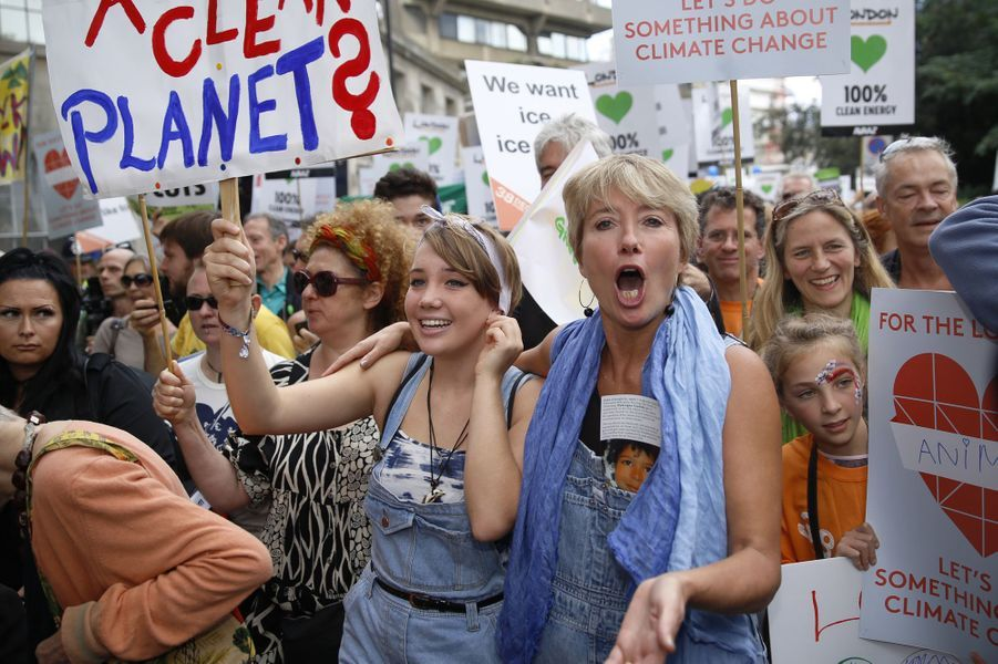 Emma Thompson et sa fille Gaia marchent contre le changement climatique à Londres, le 21 septembre 2014