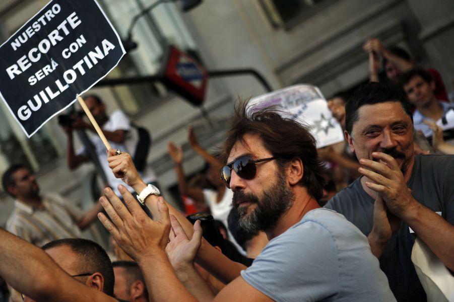Javier Bardem manifeste à Madrid contre la politique d'austérité, le 19 juillet 2012
