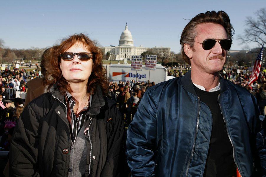 Susan Sarandon et Sean Penn manifestent à Washington contre la guerre en Irak, le 28 janvier 2007