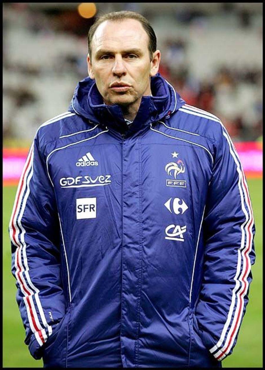 En juillet 2008, il est nommé adjoint du sélectionneur national Raymond Domenech, avec comme mission de l'épauler à la tête des Bleus après un Euro catastrophique. S'en suivra un Mondial sud-africain apocalyptique. Adjoint sous Laurent Blanc avec les Bleus, il n'est pas reconduit au moment de l'arrivée de Didier Deschamps en juillet 2012.