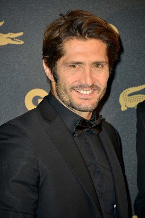 Le Basque a rapidement enchainé avec une carrière de consultant sportif. D'abord chez Canal+, il commente aujourd'hui les matchs de l'équipe de France avec Christian Jeanpierre sur TF1, et anime une émission sur le football sur RTL.