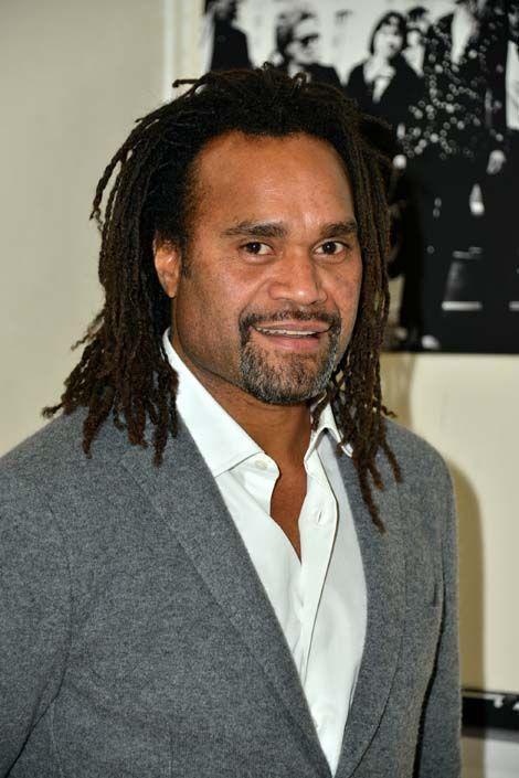 Le milieu de terrain a mis un terme à sa carrière en 2005. Devenu une véritable star en Grèce après son passage à l'Olympiakos (2001-2004), il a intégré l'encadrement du club du Pirée en juin 2013. Il est actuellement conseiller chargé de la prospection des joueurs et des relations internationales.