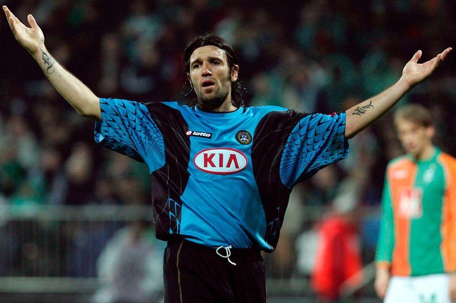 """Après un passage en Italie, Candela décide de mettre un terme à sa carrière en septembre 2007 et annonce sa reconversion en tant qu'agent de joueurs. En 2014 il participe à la dixième saison de """"Ballando con le stelle"""" (la version italienne de """"Danse avec les stars"""")."""