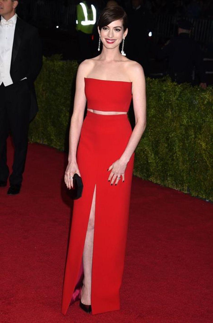 Anne Hathaway (en Calvin Klein)