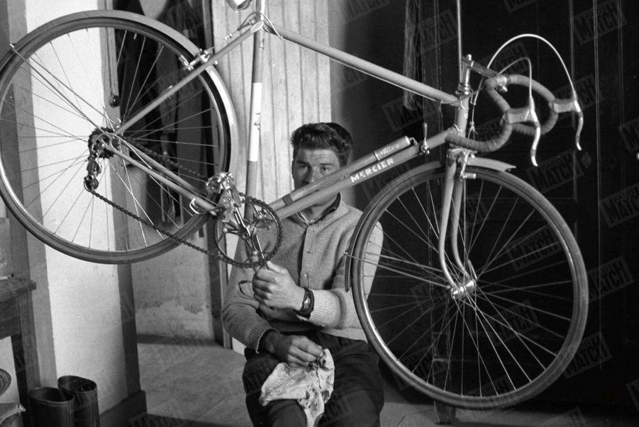 Le jeune Raymond Poulidor en mars 1961.