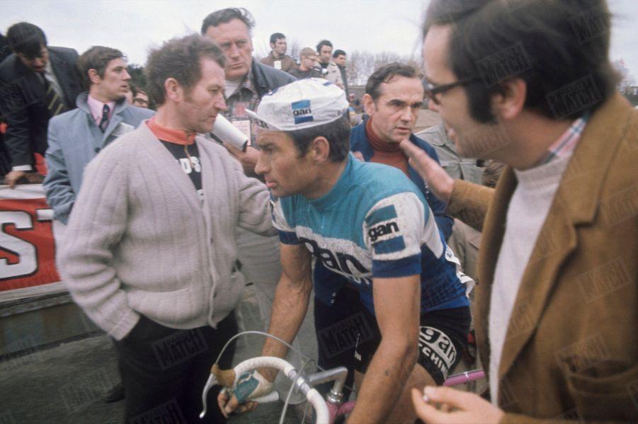 Poupou épuisé après son duel acharné avec Eddy Merckx, lors duParis-Roubaix de 1972.