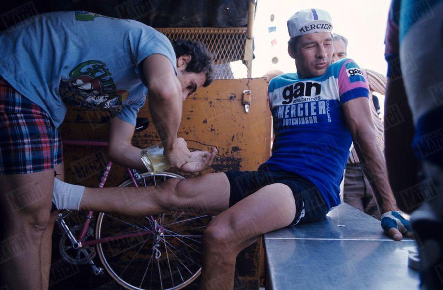 Raymond Poulidor, lors du Championnat de France de cyclisme 1976 à Montauban.