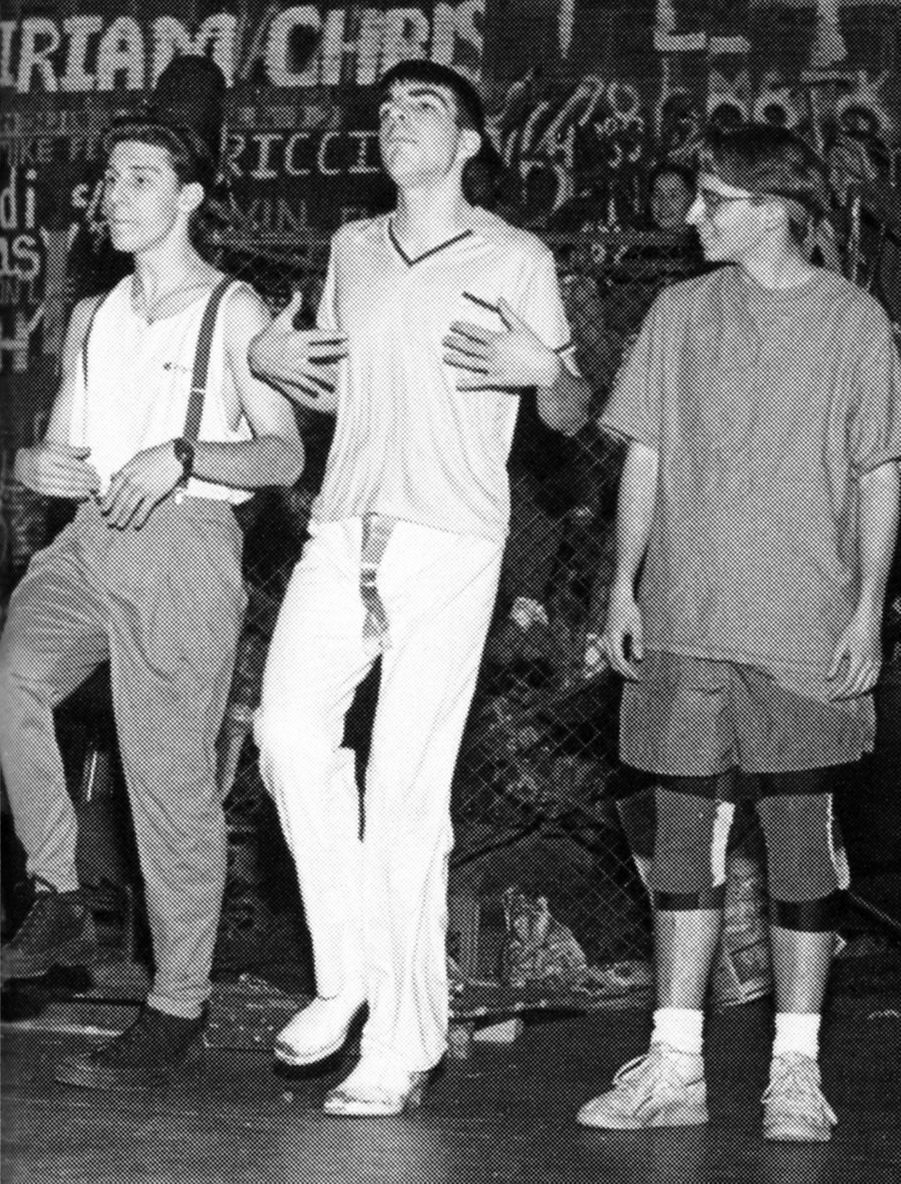 Sur la photo précédente, la belle Vera Farmiga en 1990.