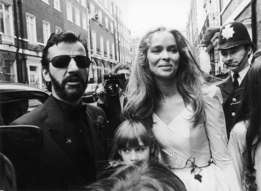 Le mariage deRingo Starr et Barbara Bach, le 27 avril 1981, à la mairie de Marylebone, à Londres.